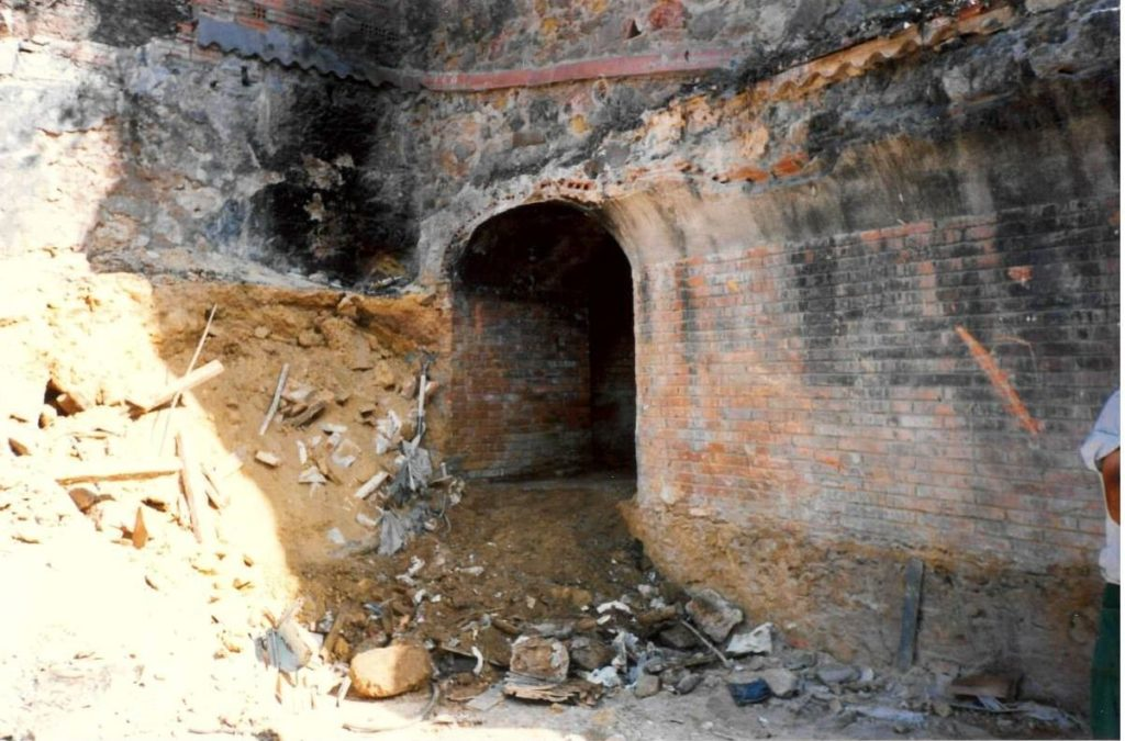 Refugi 307 en el moment de la descoberta. 1995. Servei d'Arqueologia de Barcelona