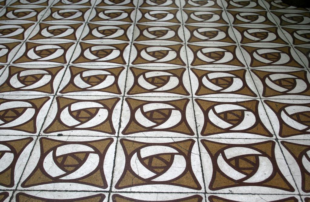 Mosaic Hidràulic. Passeig de Maragall 225, Horta-Guinardó (Foto: Terra conservació i patrimoni)