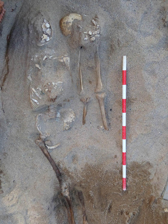 Fossa localitzada al principi dels treballs d'excavació. Foto: Esteve Nadal