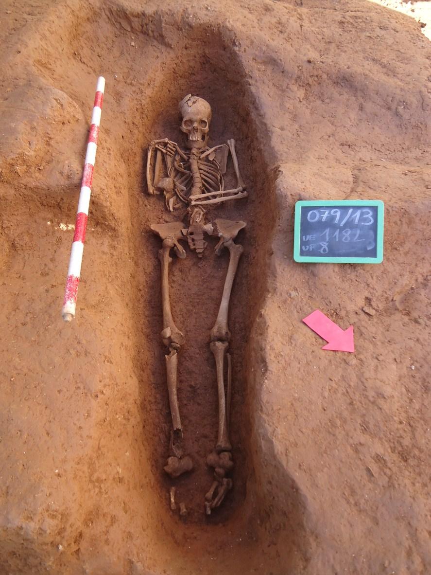 Inhumació de la necròpolis del Rec Comtal, 17-19. Foto: Anna Martí (CODEX)