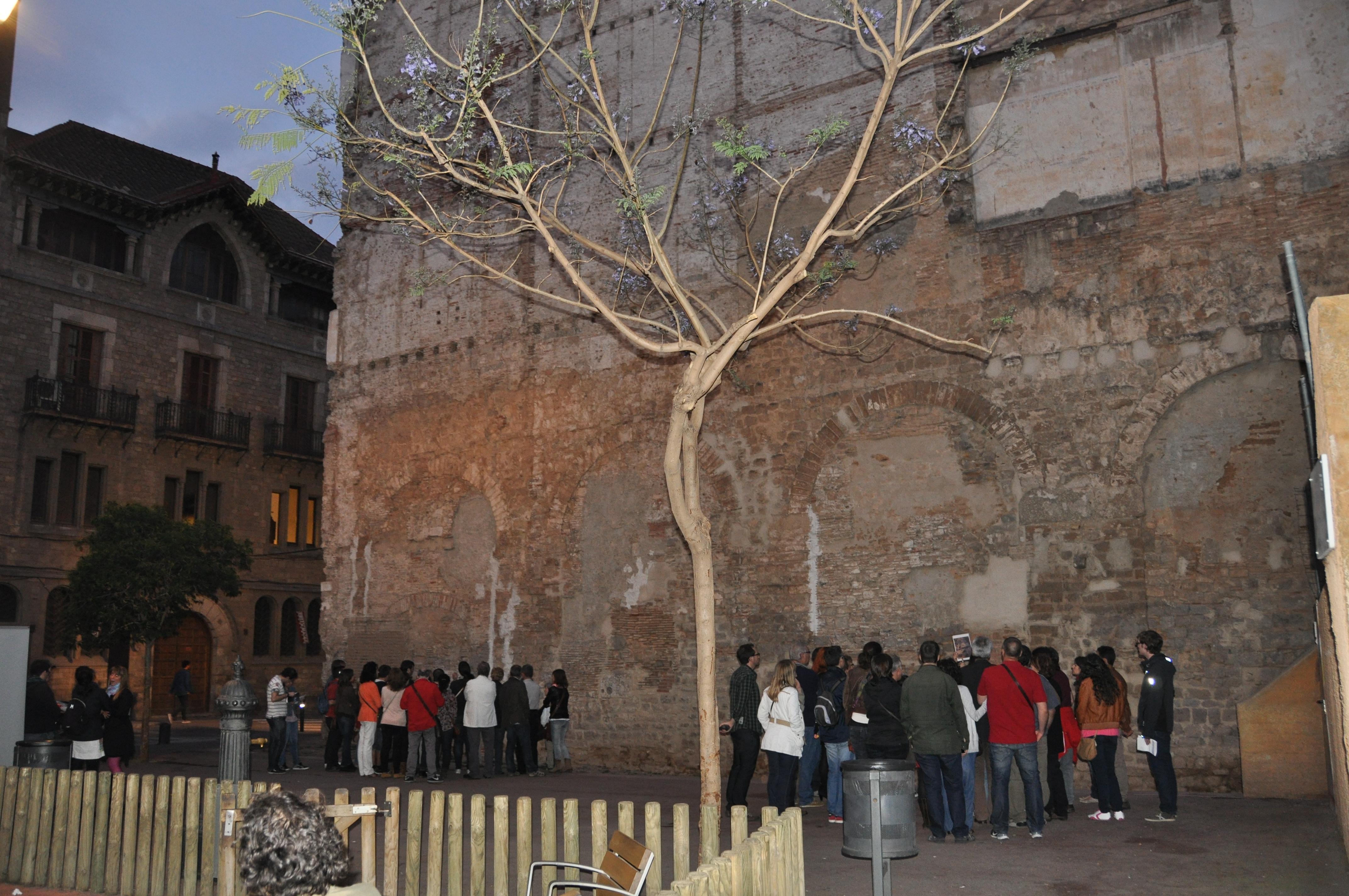 La Nit dels Museus 2014. Plaça Vuit de Març. Aqüeducte