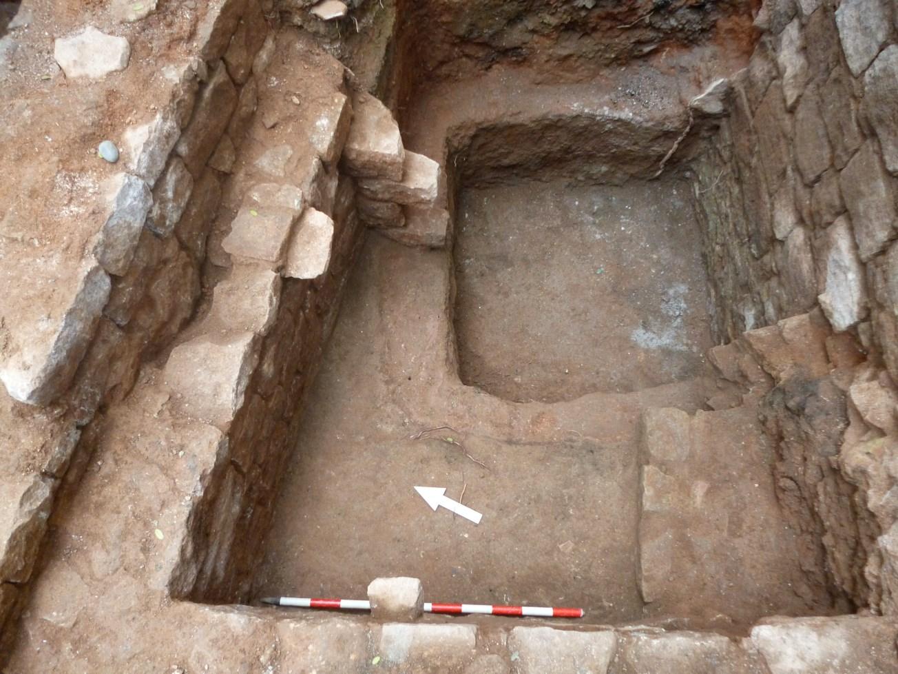 Dipòsit corresponent al s. XIV, seccionat arran de la construcció de les estructures del segle XVII. Foto: Esteve Nadal