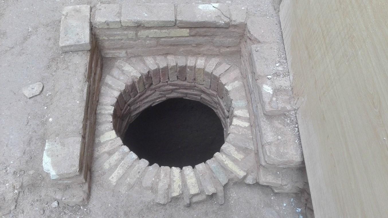 Sitja semiconstruïda d'època moderna localitzada a l'interior del mas (Foto: Òscar Varas)