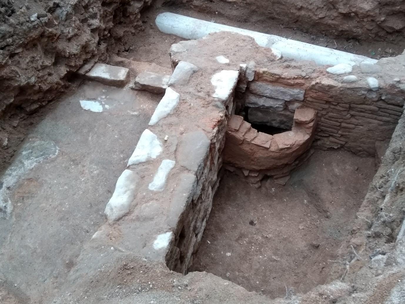 Vista general dels dos àmbits excavats. Foto: Jordi Ardiaca.