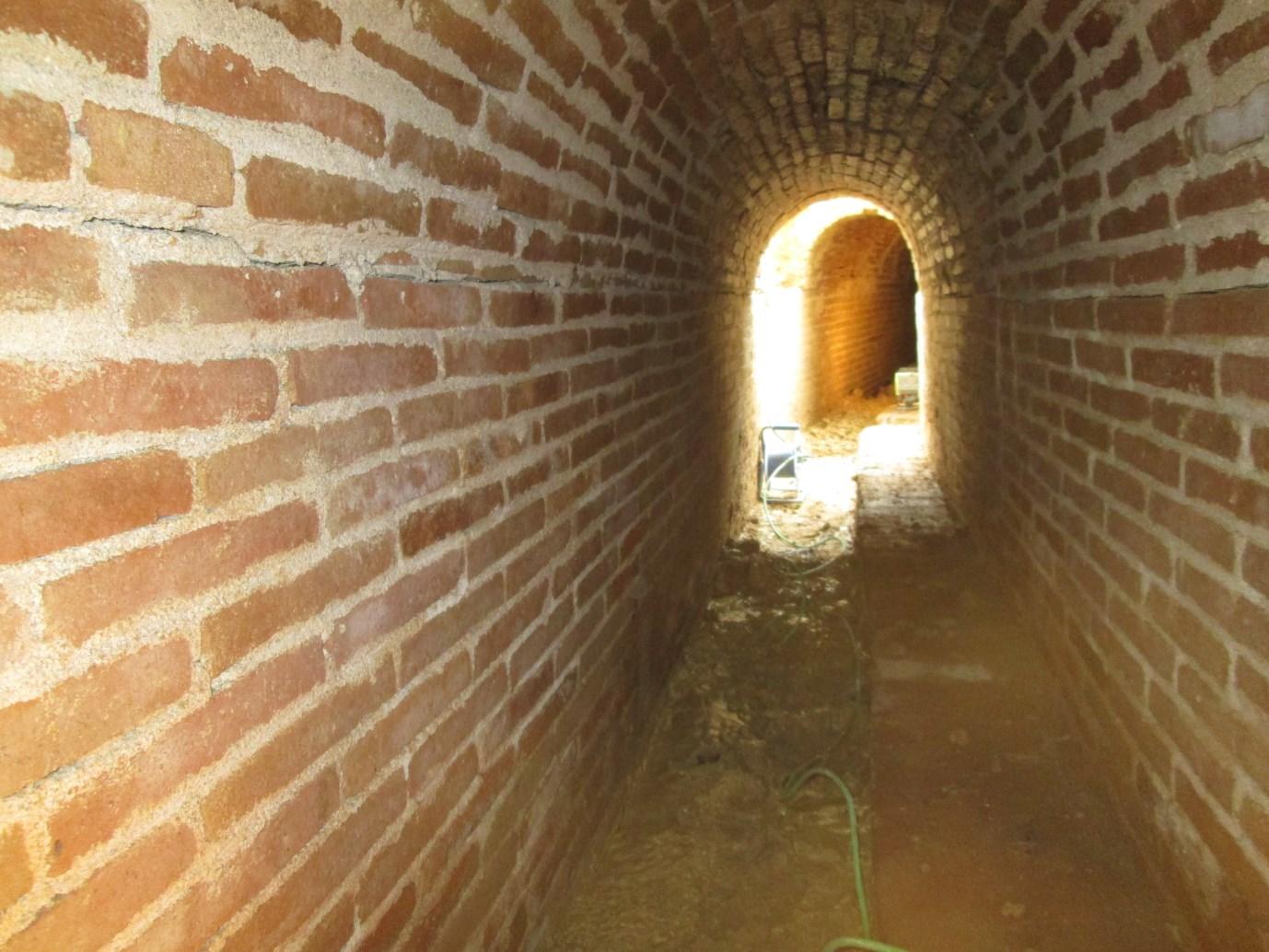 Interior de la mina d'aigua. Foto: Dídac Pàmies.