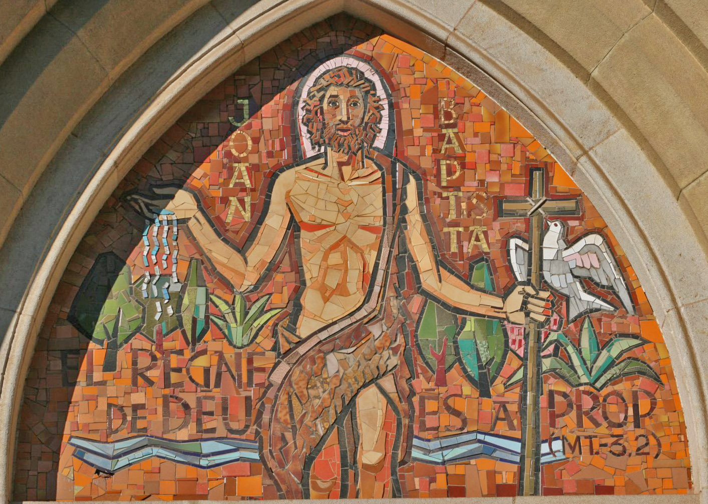 Timpà de la parròquia de Sant Joan d'Horta, carrer Campoamor 2