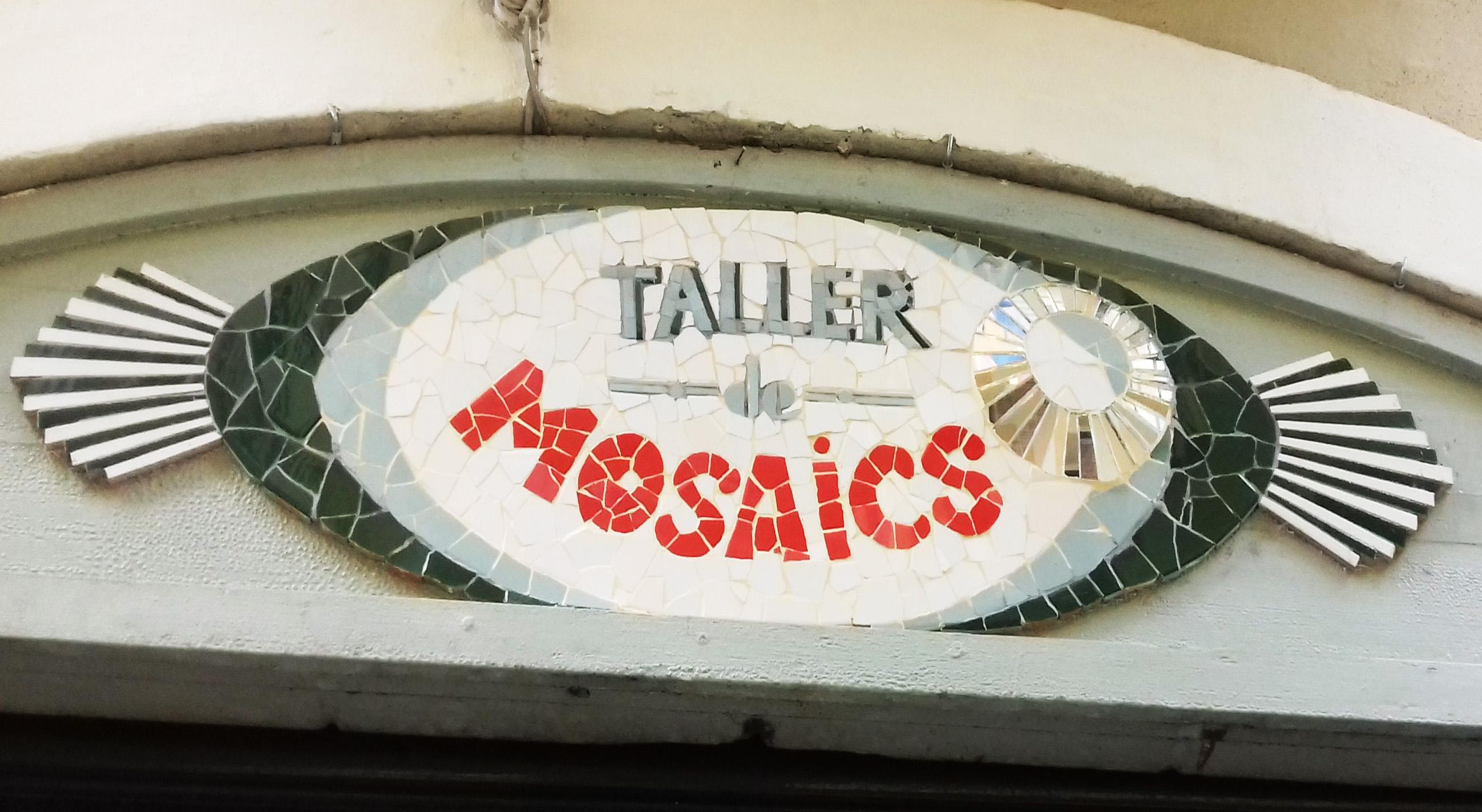 Taller de mosaics Lívia Garreta, carrer Pere Serafí, 39