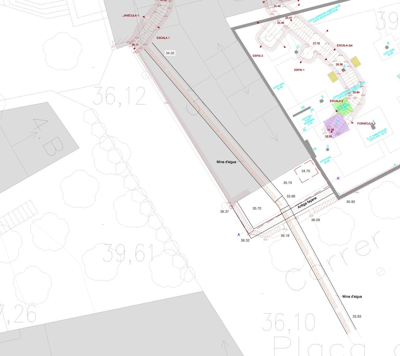 Plànol amb la ubicació de la mina d'aigua (S. XIX-XX), i com aquesta queda seccionada pel refugi. Plànol: ANTEQUEM.
