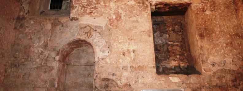 veure Carrer de Lledó, núm.7 (Ciutat Vella): la torre núm. 28 de la muralla romana>