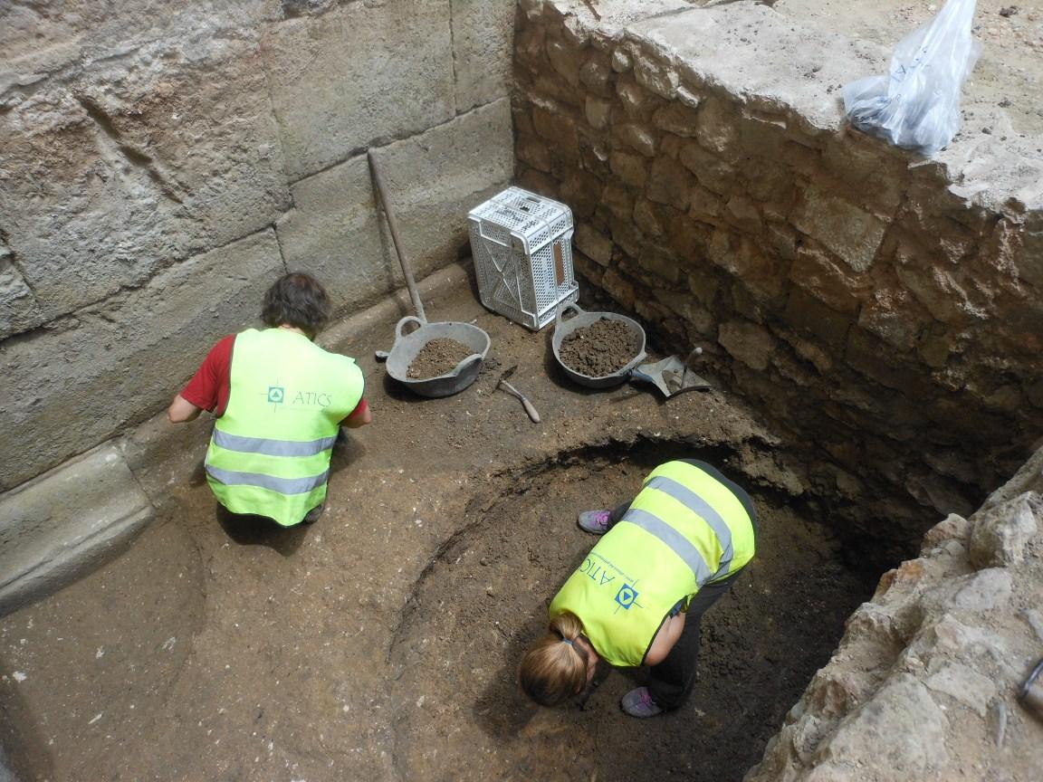 Excavació exterior torre romana