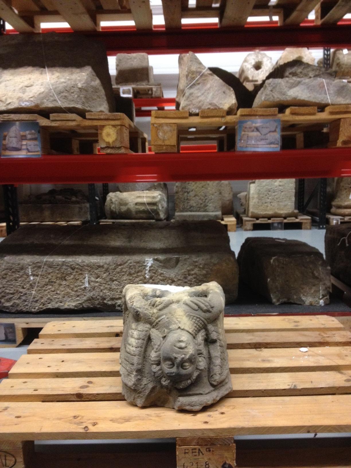Detall de la carassa en el magatzem del CCRBM del MUHBA. Foto: MUHBA