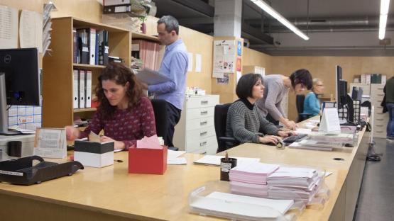 Personal de Servicio de atención a sala de consulta. AMCB. Autor: Eva Guillamet