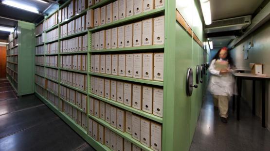 Depósito documental equipado con armarios compactos
