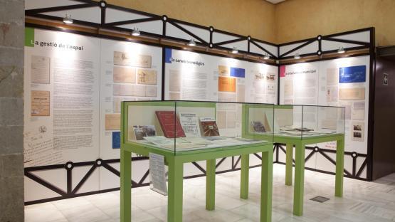 Mostra de documents  a espai expositiu de l'Arxiu