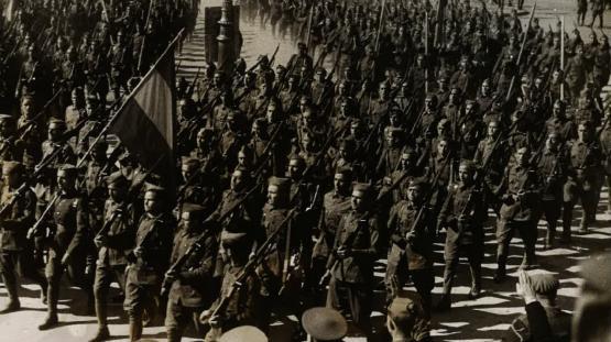 Desfilada de los cossos de l'exèrcit pels carrers de Barcelona, 21 de febrer de 1939. Autor Pérez de Rozas. AMCB. Fons Ajuntament de Barcelona: B101 Actes protocol•laris, exp. 5 de 1939.