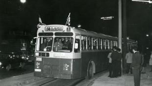es veu el nou autobús 56 que substitueix el tramvia 56