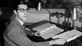Es veu el locutor Joaquin Muñoz a Ràdio Barcelona.