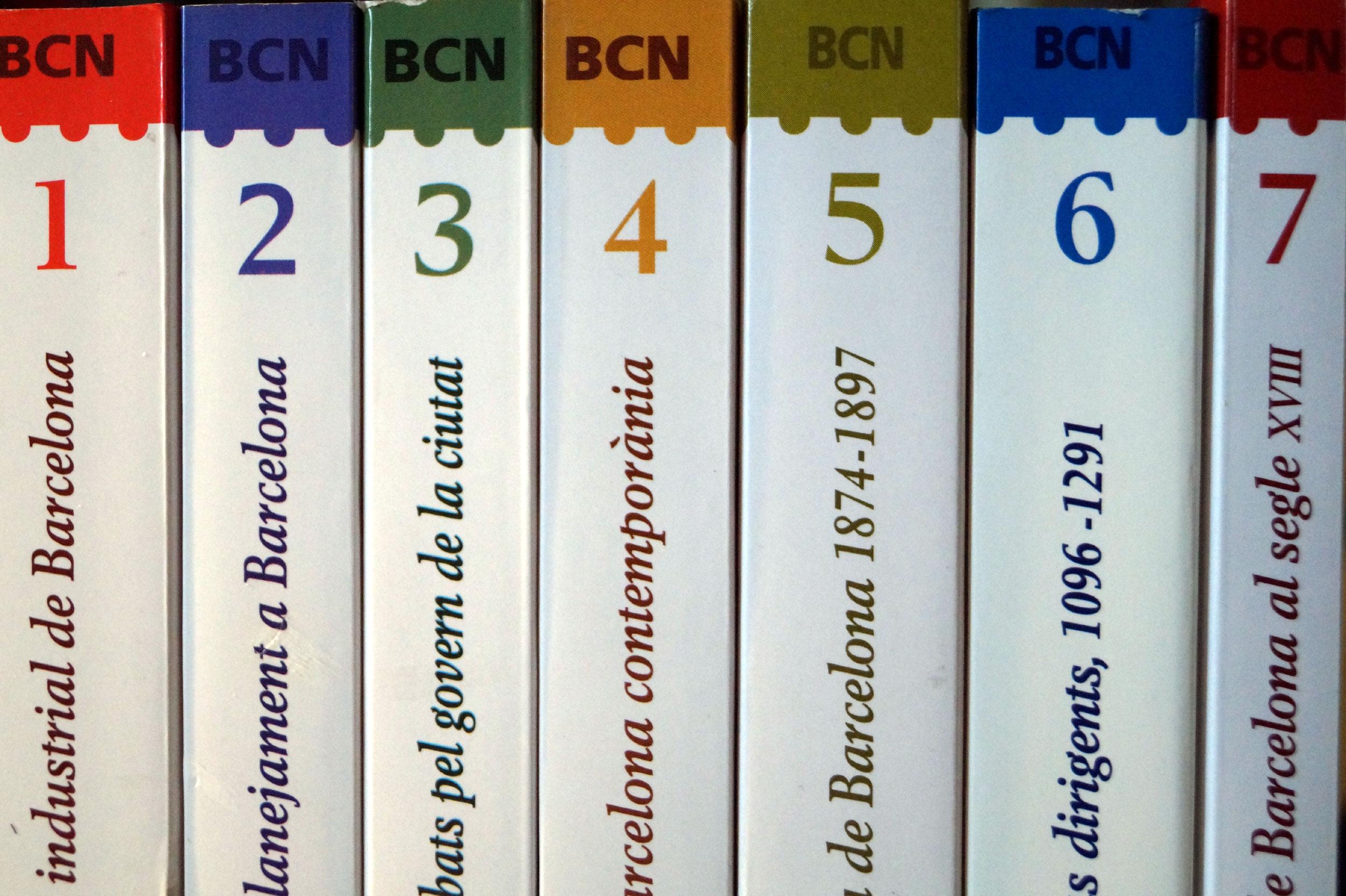 Diversos exemplars de la col·lecció Barcelona Biblioteca Històrica