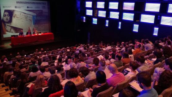 Fotografia de la sesión de la Jornada Els arxius històrics en l'entorn digital del 25 de mayo de 2017