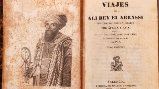 """Contraportada i primera pàgina de la publicació """"Viajes de Ali Bey"""" de 1836"""