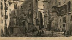 Grabado de la Plaça Nova con puntales que aseguran edificios a ambos lado de la calle del Bisbe. 1872