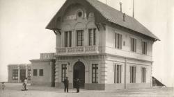 Fotografia de l'estació superior del funicular del Tibidabo l'any 1901. AMDSG.