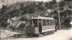 Fotografia del Tramvia Blau a principis de segle XX. AMDSG.