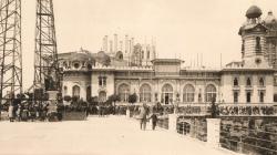 Fotografia del Cafè Restaurant del Tibidabo l'any 1930. AMDSG.