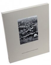 Imatge de la coberta del catàleg de l'exposició 'BARCELONA. LA METRÓPOLIS EN LA ERA DE LA FOTOGRAFÍA, 1860-2004'