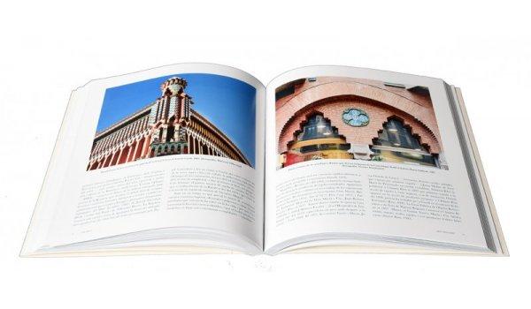Imatge de les pàgines interiors del llibre 'Les arts aplicades a Barcelona'