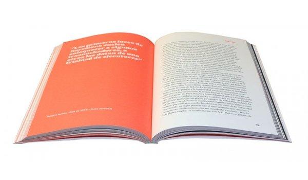 Imatge de les pàgines interiors del llibre 'Barcelona: título provisional'