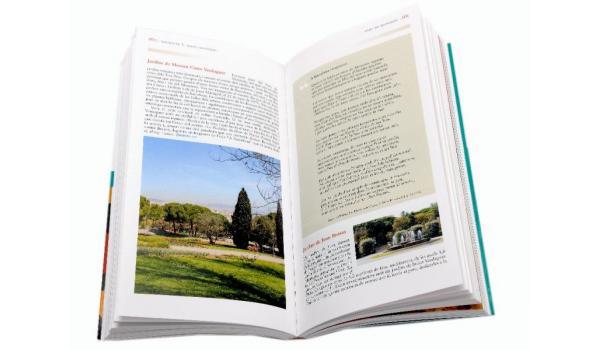 Imatge de pàgines interiors del llibre 'Barcelona nova. Geografia Literària', on es recullen imatges i textos.