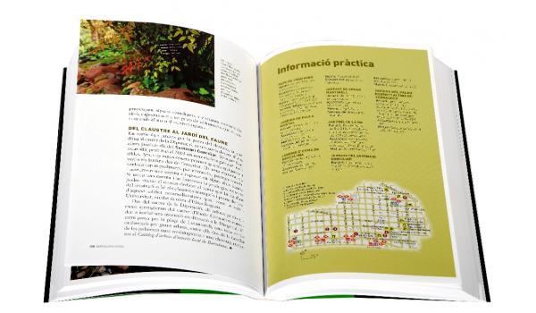 Imatge de les pàgines interiors on es veu mapes i fotografies de la guia 'Passejades per la Barcelona verda'