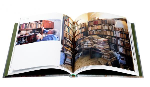 Imatge de les pàgines interiors del llibre 'Biblioteques particulars de Barcelona'