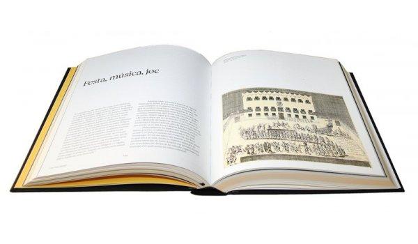 Imatge de les pàgines interiors del llibre 'La gent del carrer Montcada'