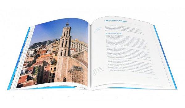Imatge de les pàgines interiors del llibre 'Barcelona. Esglésies i construcció de la ciutat'