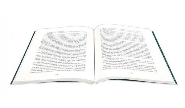 Pàgines interiors del llibre 'Trencadís amb mar al fons'
