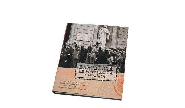 Imatge del llom del llibre 'Barcelona en postguerra'