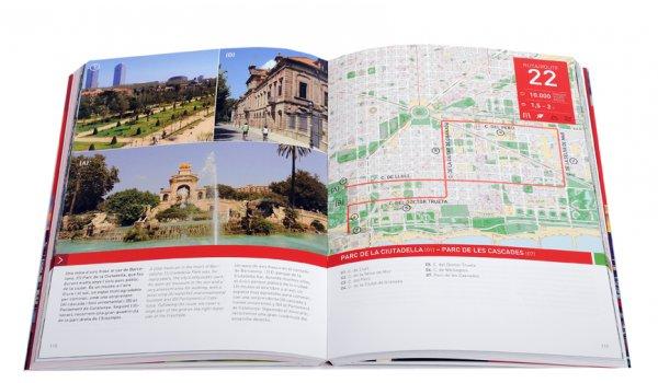 Imatge de les pàgines interiors del llibre 'Barcelona en 1.000.000 passes'