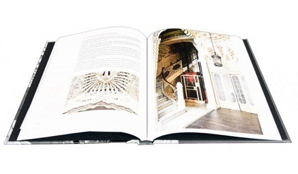 Imatge de les pàgines interiors del llibre 'Manel Sayrach 1886 - 1937. Arquitectura i modernisme a Barcelona'