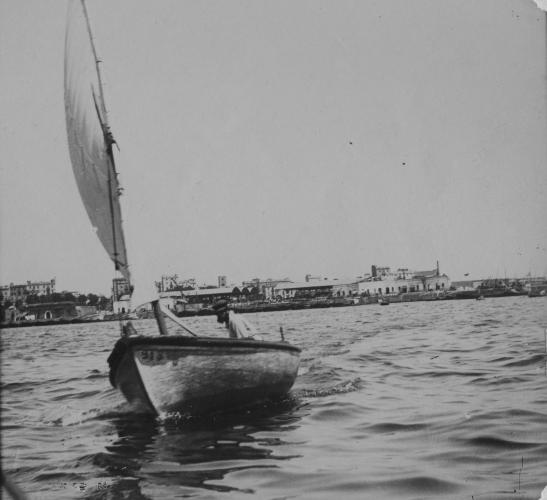 Veler navegant pel mar