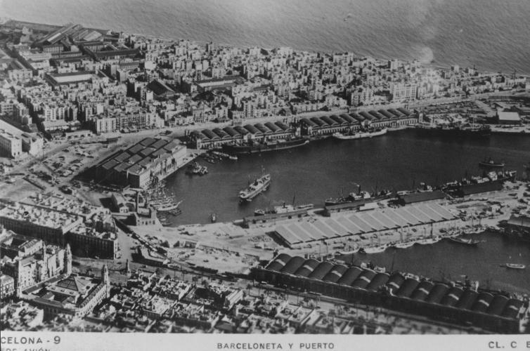 Vista aèria de la Barceloneta i el port