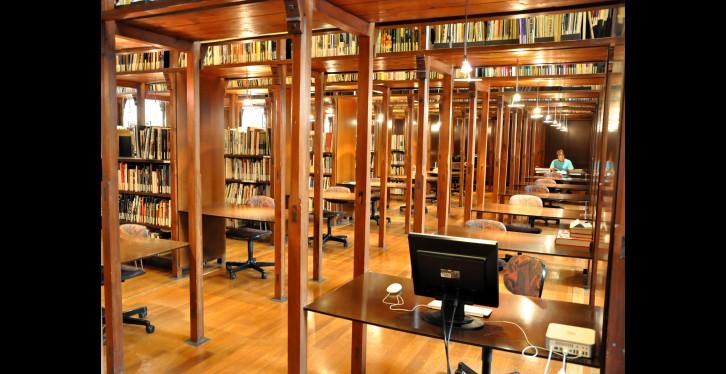 Biblioteca Fundació Tàpies