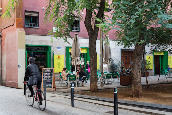 Plaza en el barrio del Raval
