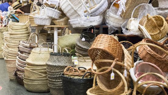 cistells i cabassos elaborats amb diferents materials