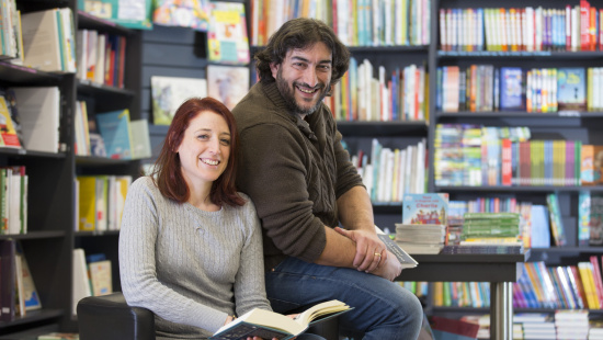 """El Carles i la Isabel, llibreters de """"La font de Mimir"""""""