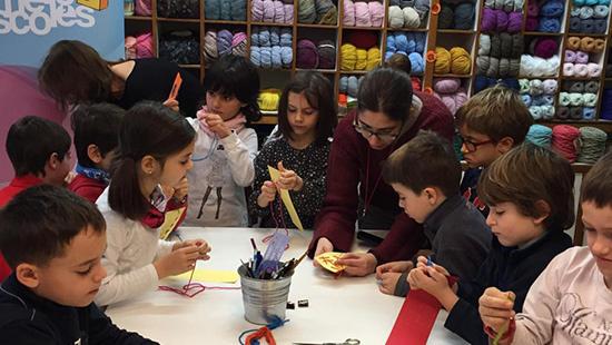 Afavorir el coneixement de Barcelona mitjançant el comerç i alhora educar per a un consum crític i responsable entre els més menuts
