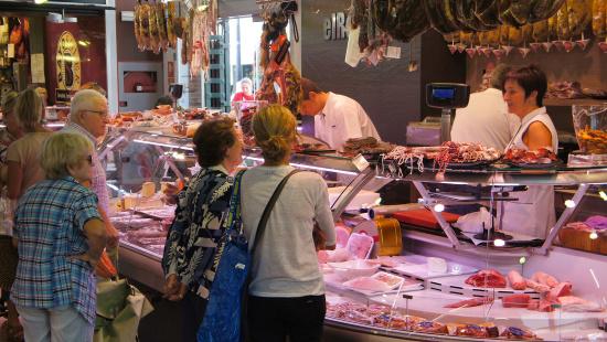 Barcelona defineix les línies estratègiques per enfortir el comerç