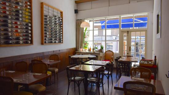 """Sala principal del restaurante """"Mala Hierba"""