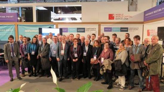 Els representants dels eixos i les associacions de comerciants han visitat el 4YFN dins el Mobile World Congress de Barcelona